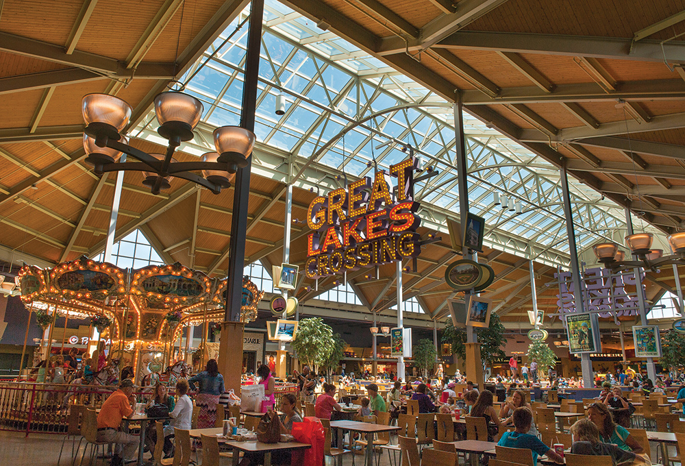 Michigan's largest food court at Great Lakes Crossing Outlets